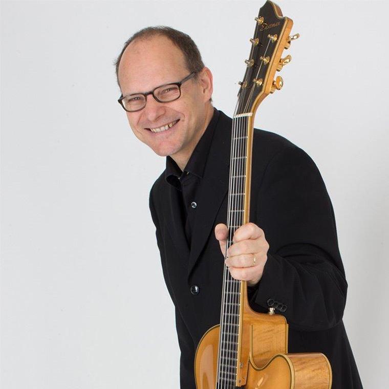 Dani-Solimine-Gitarre